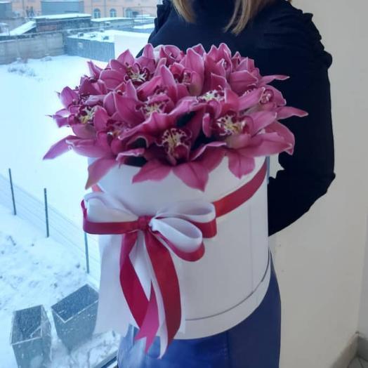 Коробка с орхидеями ,,Цимбидиум