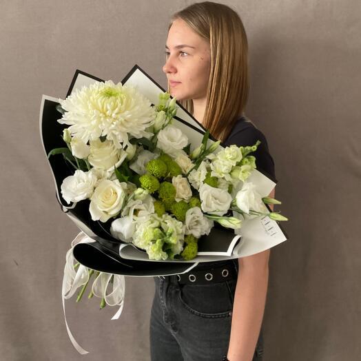 Букет Хризантем, Роз и Лизиантусов
