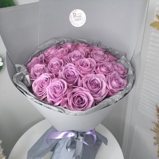 Сиреневые розы