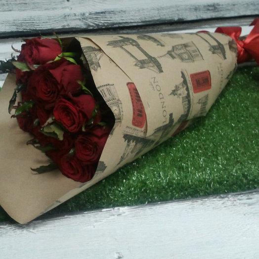 11 красных роз: букеты цветов на заказ Flowwow