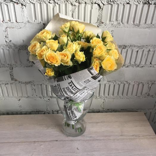 Букет из желтых кустовых роз 9: букеты цветов на заказ Flowwow