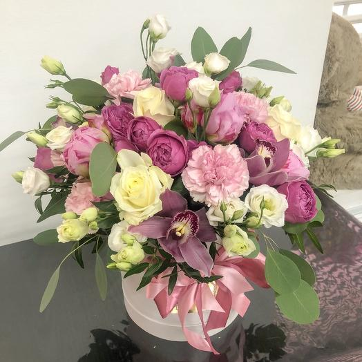Нежный микс в шляпной коробке: букеты цветов на заказ Flowwow
