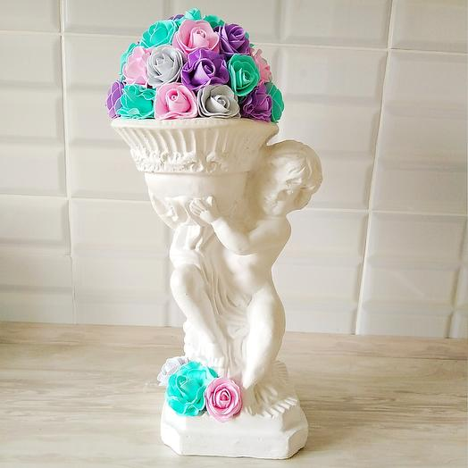 Статуэтка с искусственным цветочками: букеты цветов на заказ Flowwow