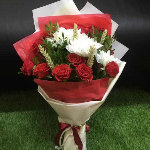 Микс из кустовых роз , хризантемы и пшеницы: букеты цветов на заказ Flowwow