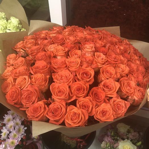 101 роза коралловая: букеты цветов на заказ Flowwow