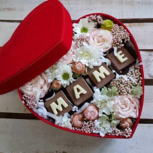 Нежное мамино сердце: букеты цветов на заказ Flowwow
