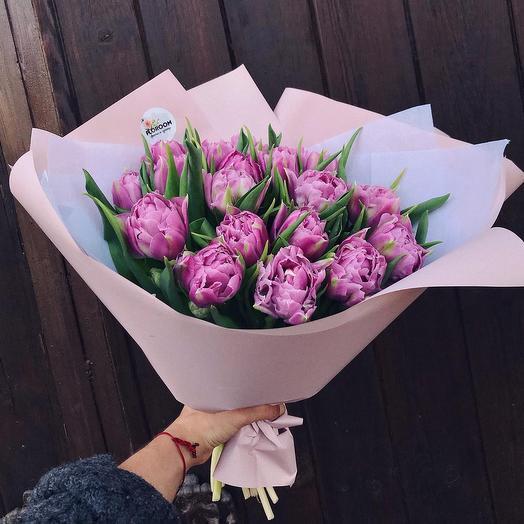 19 лавандовых тюльпанов