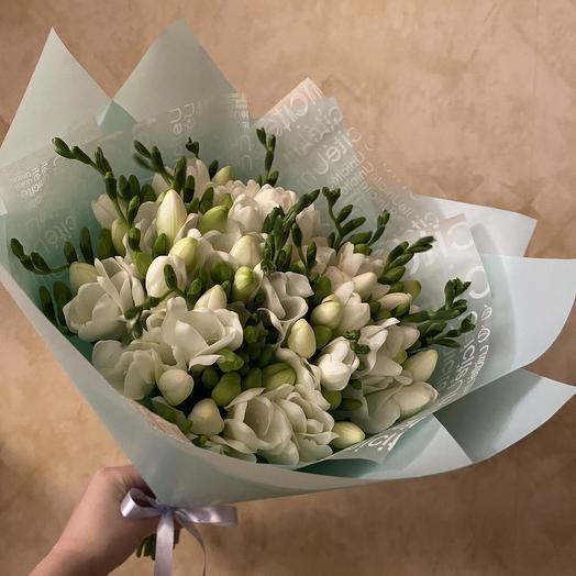 Свежесть лепестков: букеты цветов на заказ Flowwow