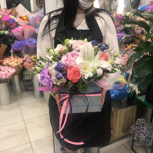Ящик лилия: букеты цветов на заказ Flowwow