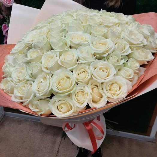 55 белых роз