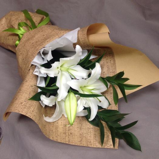 Нежный букет из лилии