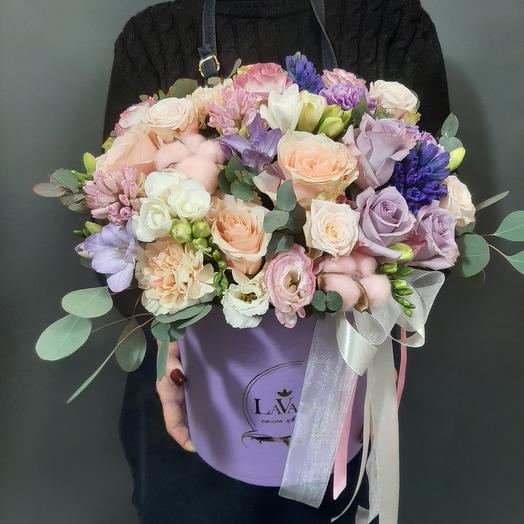 Цветы в коробке от флориста 101