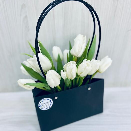 Сумка с тюльпанами