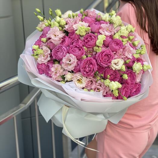 Букет Летний вечер Макси из пионовидных роз и эустомы