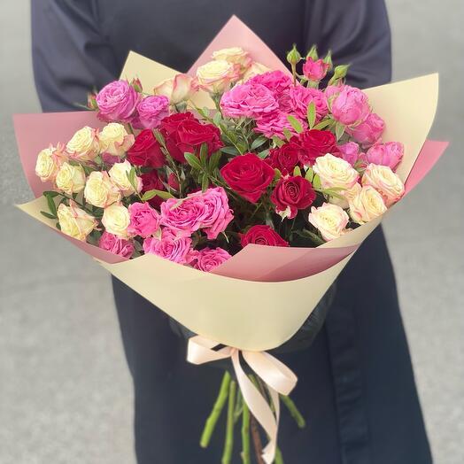 Микс букет из кустовых роз