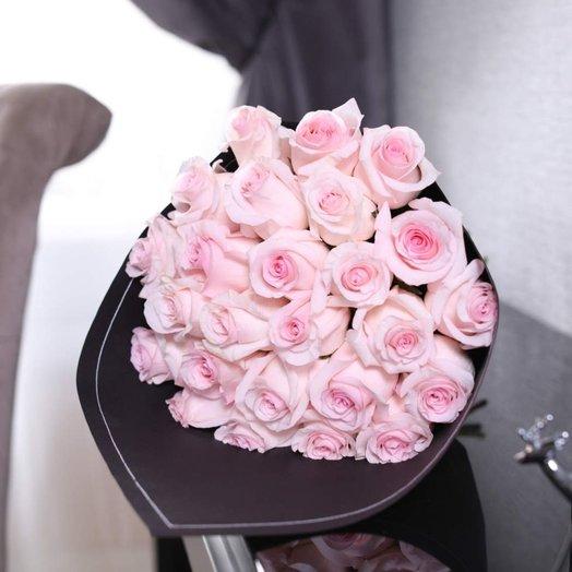 Букет из 25 роз Senorita: букеты цветов на заказ Flowwow