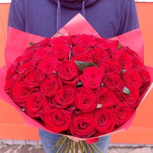 Много красных роз: букеты цветов на заказ Flowwow