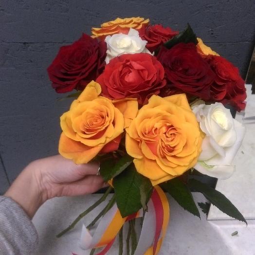 Букет из 10 разноцветных роз 60 см: букеты цветов на заказ Flowwow