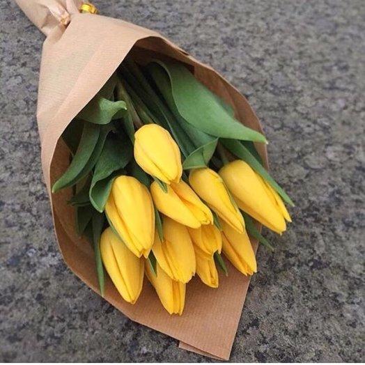 11 желтых тюльпанов: букеты цветов на заказ Flowwow