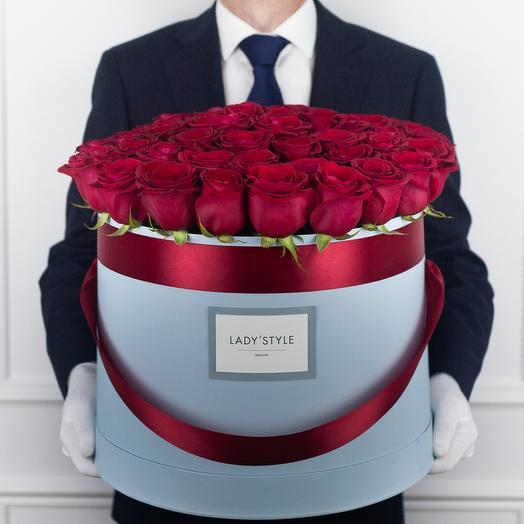 Эквадорские розы в шляпной коробке Maxi: букеты цветов на заказ Flowwow