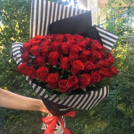 Букет из 55 роз «Классика»: букеты цветов на заказ Flowwow