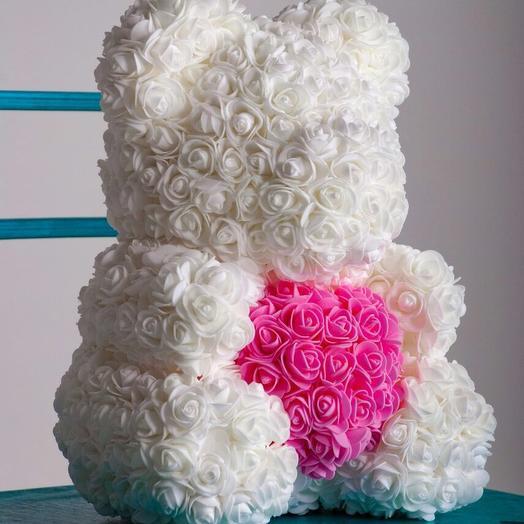 Белый мишка из роз с розовым сердечком: букеты цветов на заказ Flowwow