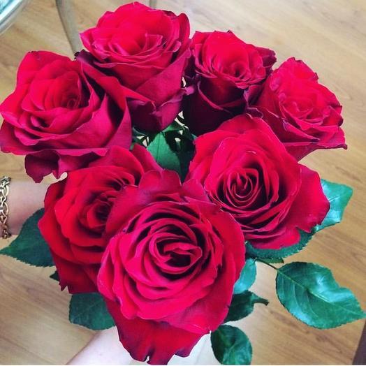 Красные 7: букеты цветов на заказ Flowwow
