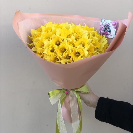 49 нарцисов: букеты цветов на заказ Flowwow