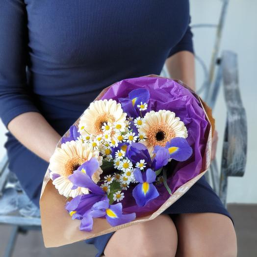 Букет из гермини ирисов и танацетума: букеты цветов на заказ Flowwow