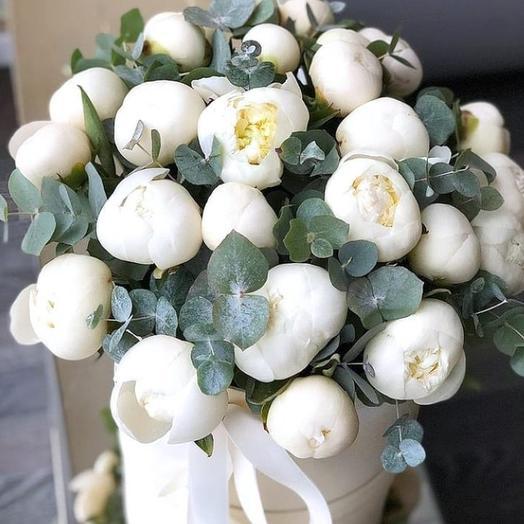 Белые Пионы в Коробке: букеты цветов на заказ Flowwow