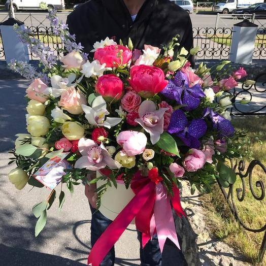 """Шляпная коробка """"Мадонна"""": букеты цветов на заказ Flowwow"""