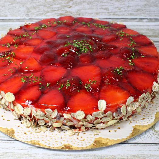 """Торт """"Овсяный с клубникой"""""""