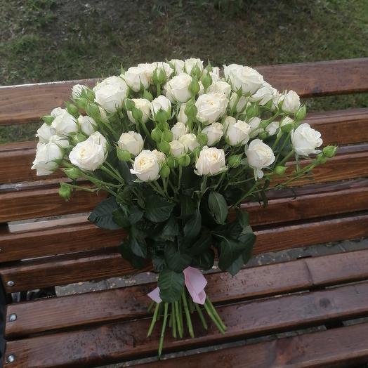 ✅ Букет из кустовых роз под ленту
