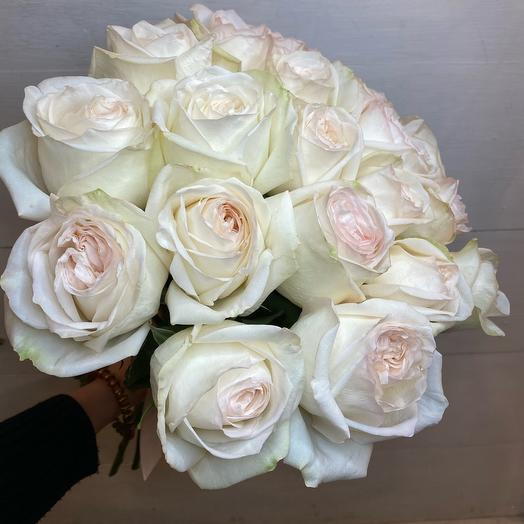 Охапка ароматных роз