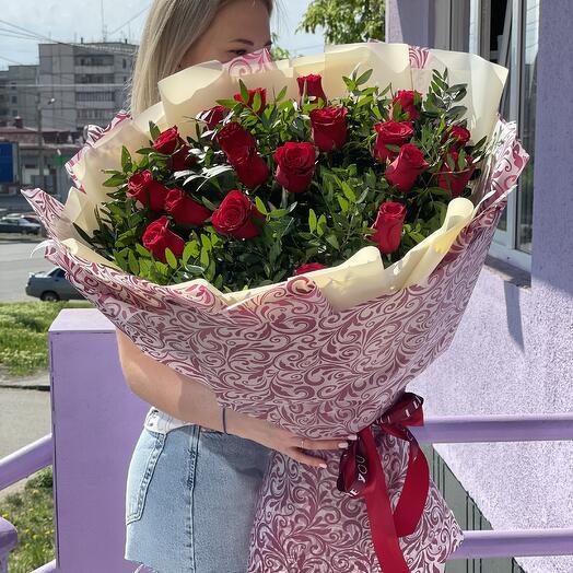 ГИГАНТ из 19 роз