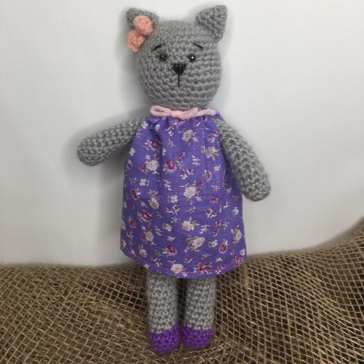 Кошечка в платье ручной работы