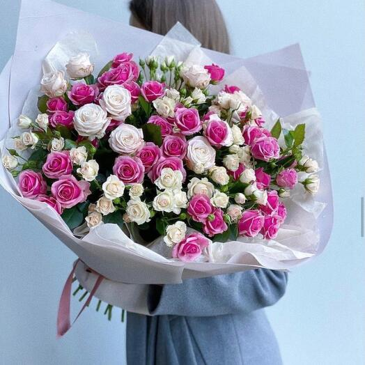 Гигант из кустовых роз