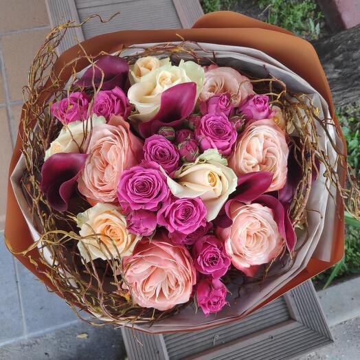Букет из роз в аквапаке
