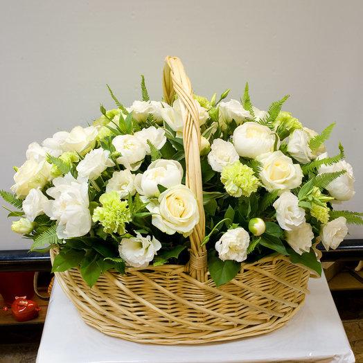 Корзина цветов Секрет нежности: букеты цветов на заказ Flowwow
