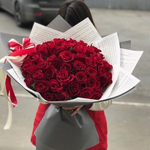 51 роза Бордо: букеты цветов на заказ Flowwow