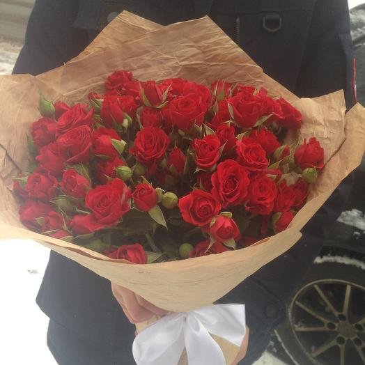 Букет из 19 кустовых роз Мирабель: букеты цветов на заказ Flowwow