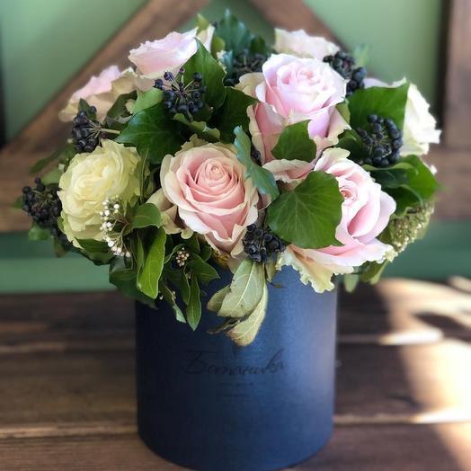 Нежность в синей коробке Ботаника М: букеты цветов на заказ Flowwow