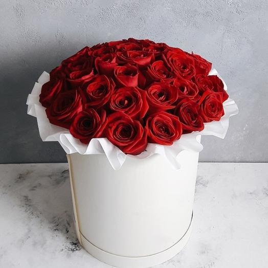 39 красных роз в шляпной коробке: букеты цветов на заказ Flowwow