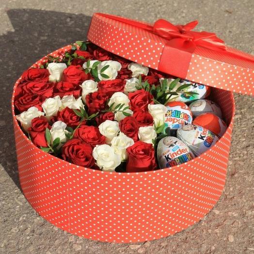 Коробочка кустовых роз с киндер сюрпризами