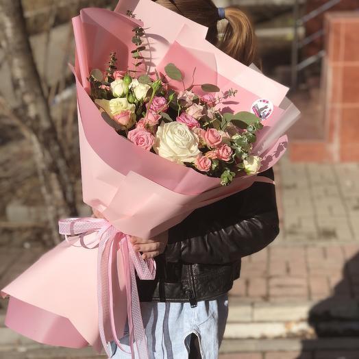 Огромный букет из Микса роз