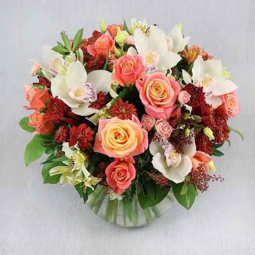 Букет из роз, хризантем и белой орхидеи: букеты цветов на заказ Flowwow