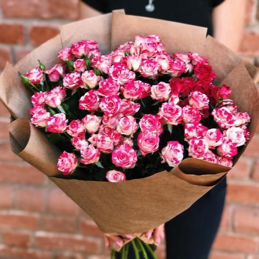 Букет из 19 кустовых роз: букеты цветов на заказ Flowwow