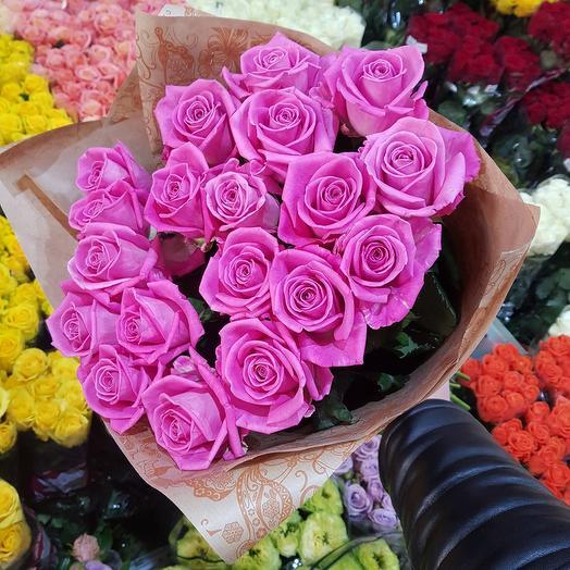 Букет из 19 розовых роз: букеты цветов на заказ Flowwow