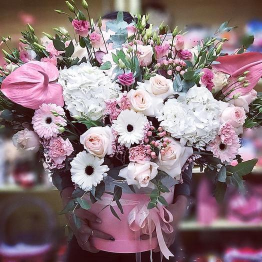 Коробки гиганты: букеты цветов на заказ Flowwow