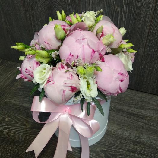 Пионы с эустомой и лимониумом: букеты цветов на заказ Flowwow